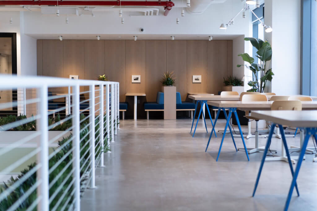 hoteling and the hybrid office
